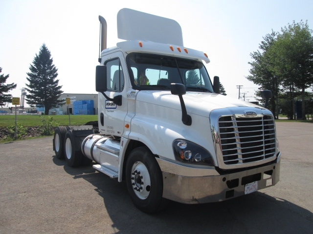Day Cab Tractor-Heavy Duty Tractors-Freightliner-2012-Cascadia 12564ST-MONCTON-NB-709,077 km-$47,250