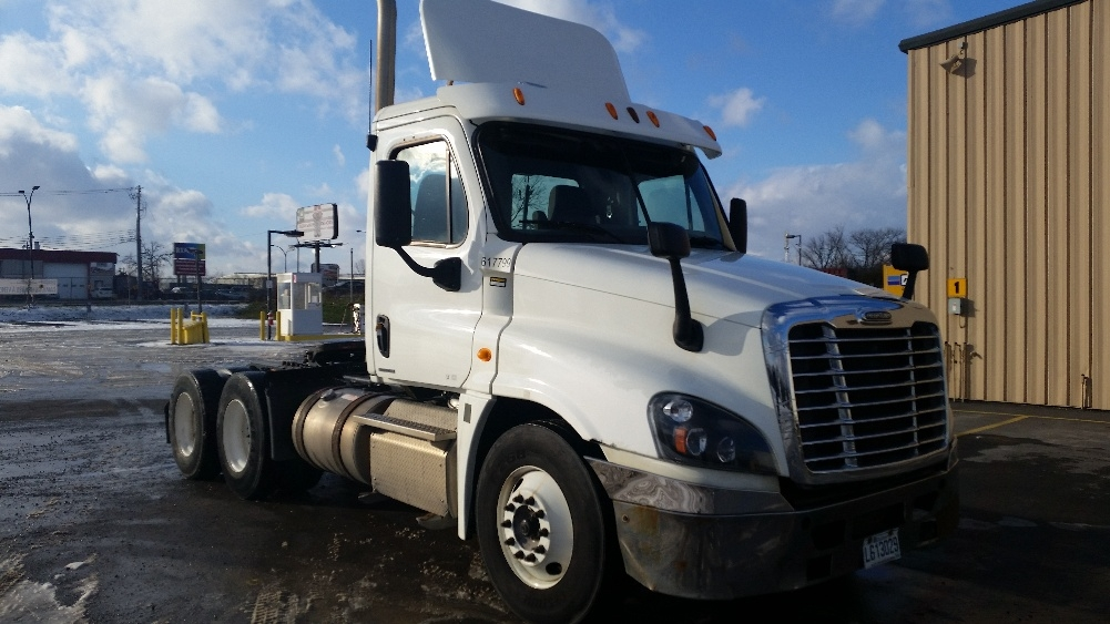 Day Cab Tractor-Heavy Duty Tractors-Freightliner-2012-Cascadia 12564ST-SAINT LAURENT-PQ-578,448 km-$44,500