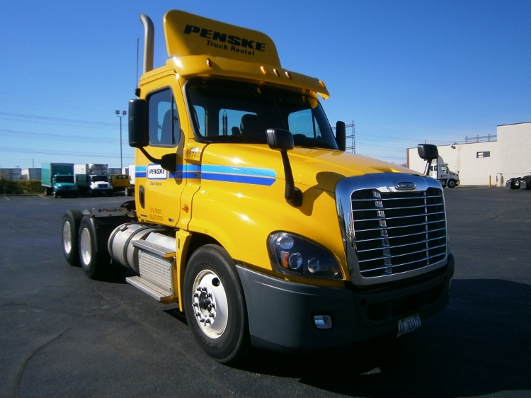 Day Cab Tractor-Heavy Duty Tractors-Freightliner-2012-Cascadia 12564ST-MISSISSAUGA-ON-419,976 km-$56,750