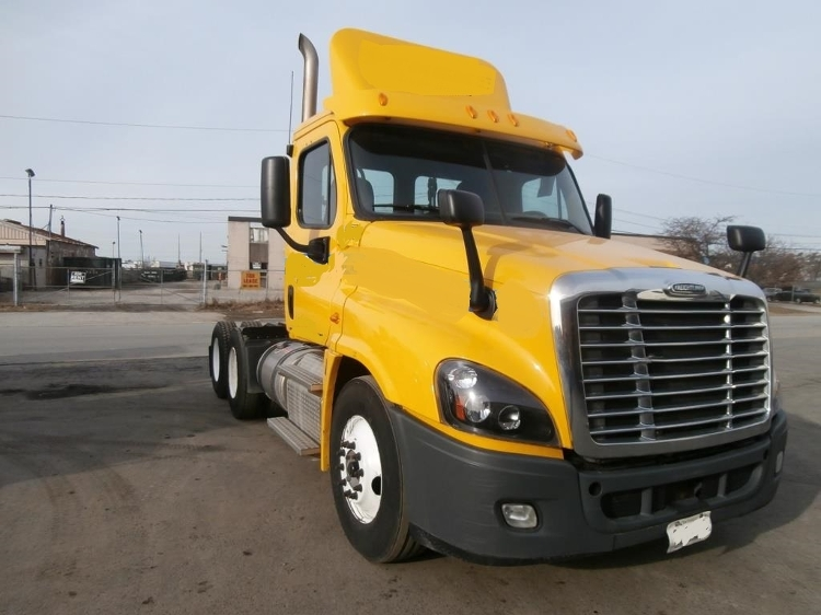 Day Cab Tractor-Heavy Duty Tractors-Freightliner-2012-Cascadia 12564ST-MISSISSAUGA-ON-568,213 km-$39,250