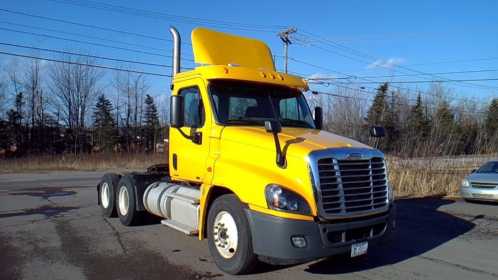 Day Cab Tractor-Heavy Duty Tractors-Freightliner-2012-Cascadia 12564ST-MONCTON-NB-584,505 km-$42,250
