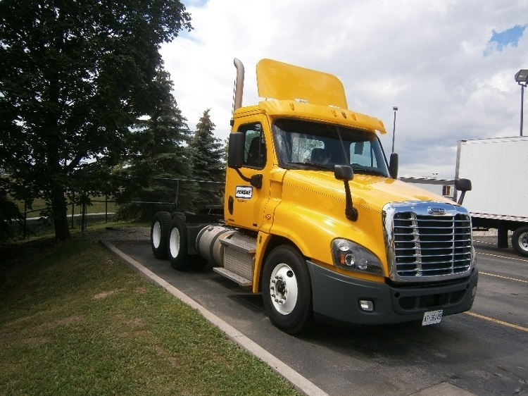 Day Cab Tractor-Heavy Duty Tractors-Freightliner-2012-Cascadia 12564ST-MISSISSAUGA-ON-472,032 km-$40,000