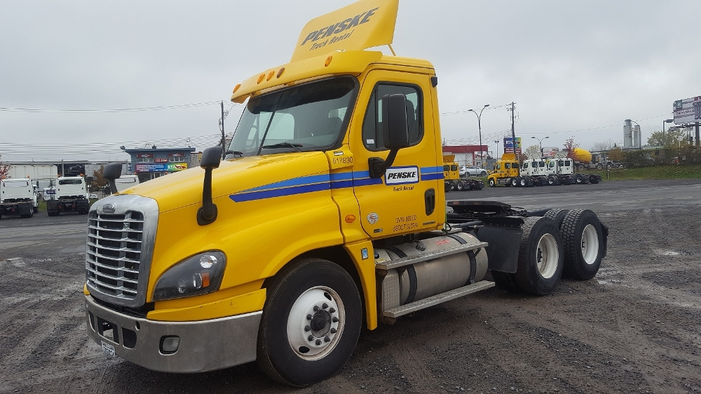 Day Cab Tractor-Heavy Duty Tractors-Freightliner-2012-Cascadia 12564ST-BOUCHERVILLE-PQ-647,980 km-$52,500