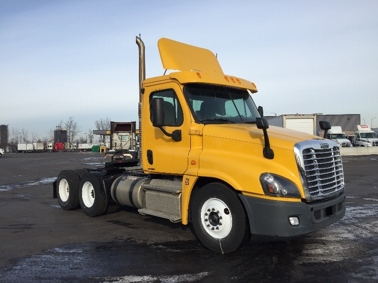 Day Cab Tractor-Heavy Duty Tractors-Freightliner-2012-Cascadia 12564ST-SAINT LAURENT-PQ-478,724 km-$34,750