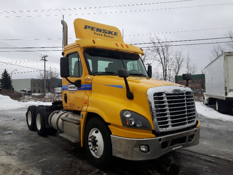 Day Cab Tractor-Heavy Duty Tractors-Freightliner-2012-Cascadia 12564ST-BOUCHERVILLE-PQ-436,982 km-$46,000