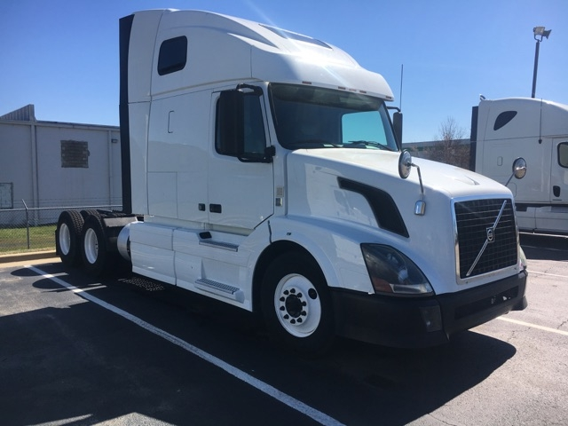 Sleeper Tractor-Heavy Duty Tractors-Volvo-2012-VNL64T670-OLIVE BRANCH-MS-476,538 miles-$35,000