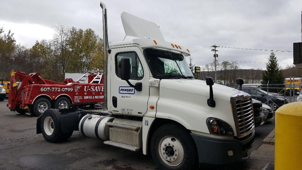 Day Cab Tractor-Heavy Duty Tractors-Freightliner-2012-Cascadia 12542ST-BINGHAMTON-NY-202,300 miles-$53,500