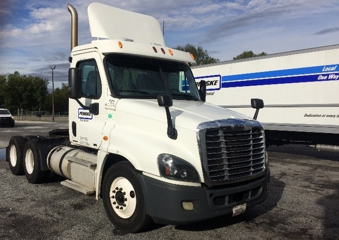 Day Cab Tractor-Heavy Duty Tractors-Freightliner-2012-Cascadia 12564ST-GREENVILLE-SC-588,115 miles-$33,000