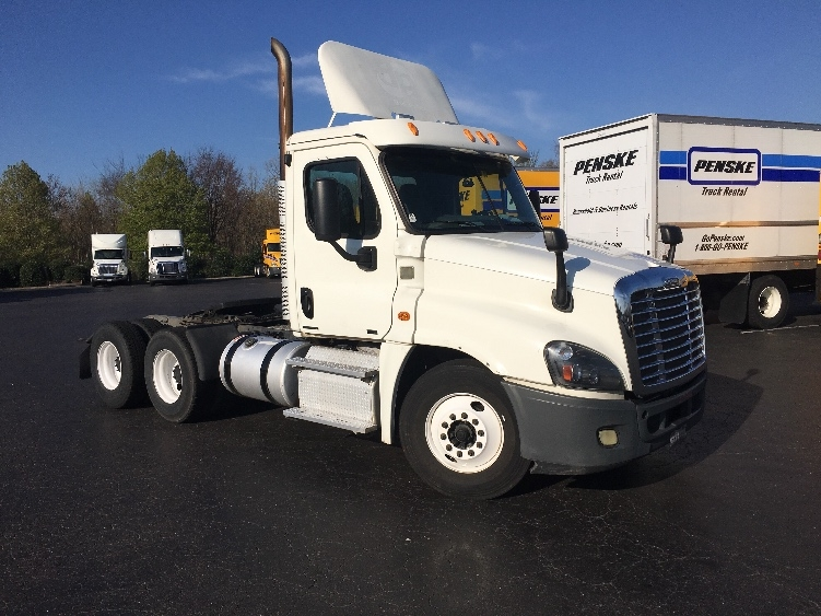 Day Cab Tractor-Heavy Duty Tractors-Freightliner-2012-Cascadia 12564ST-GREENSBORO-NC-567,797 miles-$31,750
