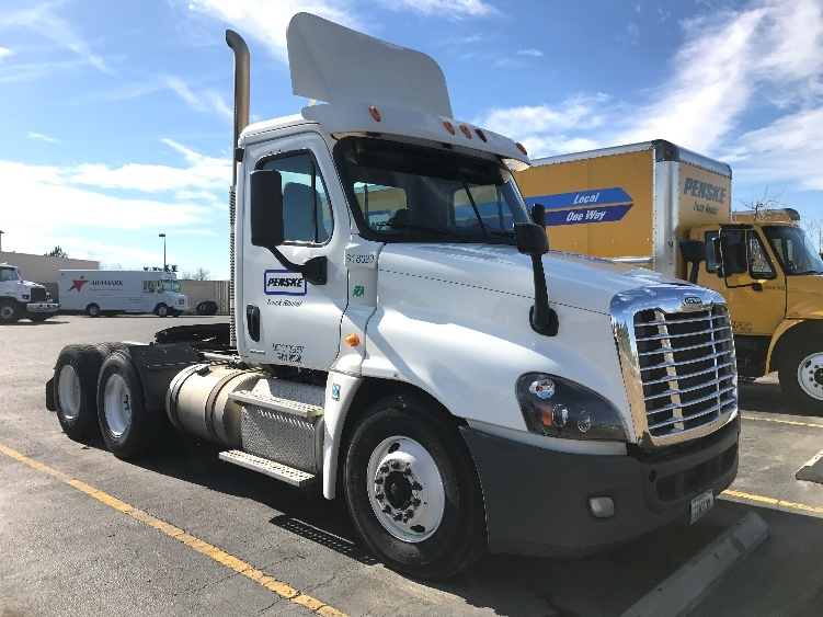Day Cab Tractor-Heavy Duty Tractors-Freightliner-2012-Cascadia 12564ST-WEST COLUMBIA-SC-692,201 miles-$33,000