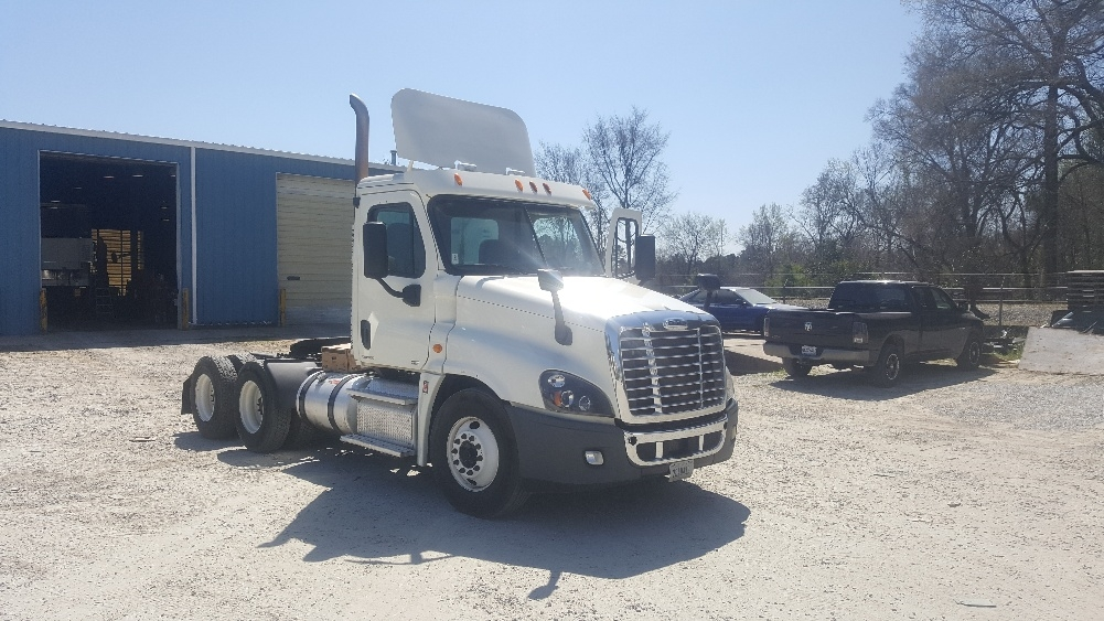 Day Cab Tractor-Heavy Duty Tractors-Freightliner-2012-Cascadia 12564ST-NEWBERRY-SC-512,606 miles-$28,000