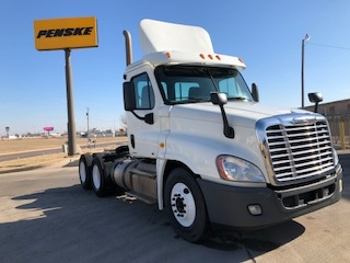 Day Cab Tractor-Heavy Duty Tractors-Freightliner-2012-Cascadia 12564ST-DALLAS-TX-172,010 miles-$39,000