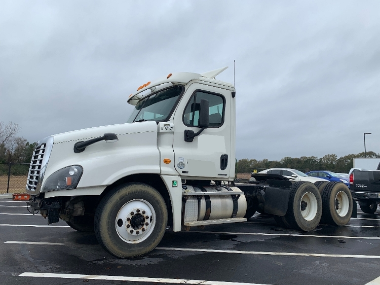Day Cab Tractor-Heavy Duty Tractors-Freightliner-2012-Cascadia 12564ST-MOBILE-AL-518,282 miles-$9,750