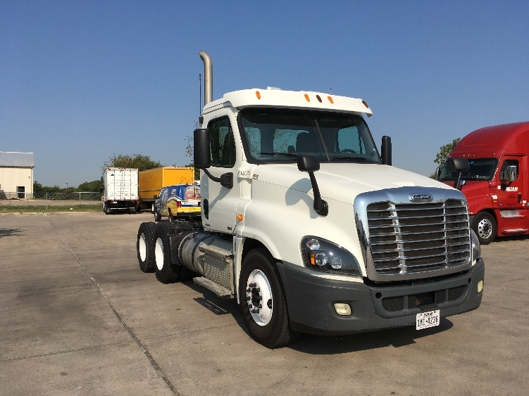 Day Cab Tractor-Heavy Duty Tractors-Freightliner-2012-Cascadia 12564ST-DALLAS-TX-242,416 miles-$46,750