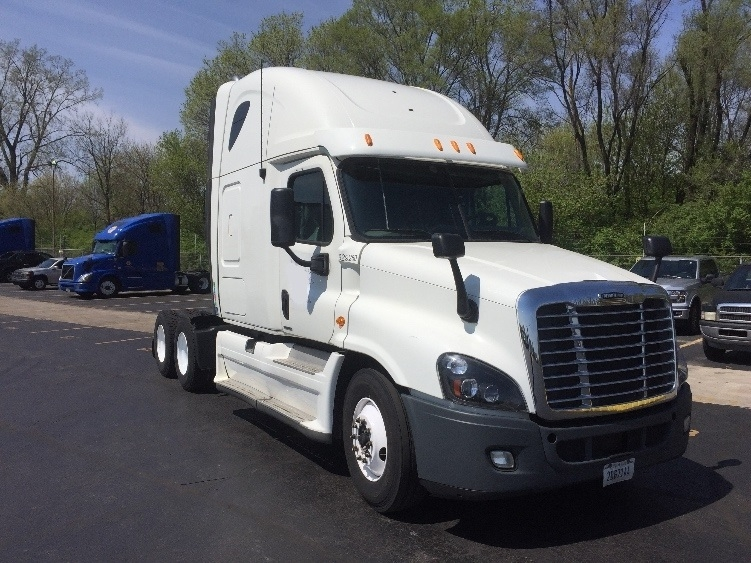 Sleeper Tractor-Heavy Duty Tractors-Freightliner-2012-Cascadia 12564ST-SIOUX FALLS-SD-567,360 miles-$40,500