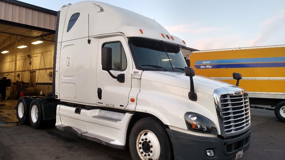 Sleeper Tractor-Heavy Duty Tractors-Freightliner-2012-Cascadia 12564ST-NEW CASTLE-DE-606,944 miles-$37,000