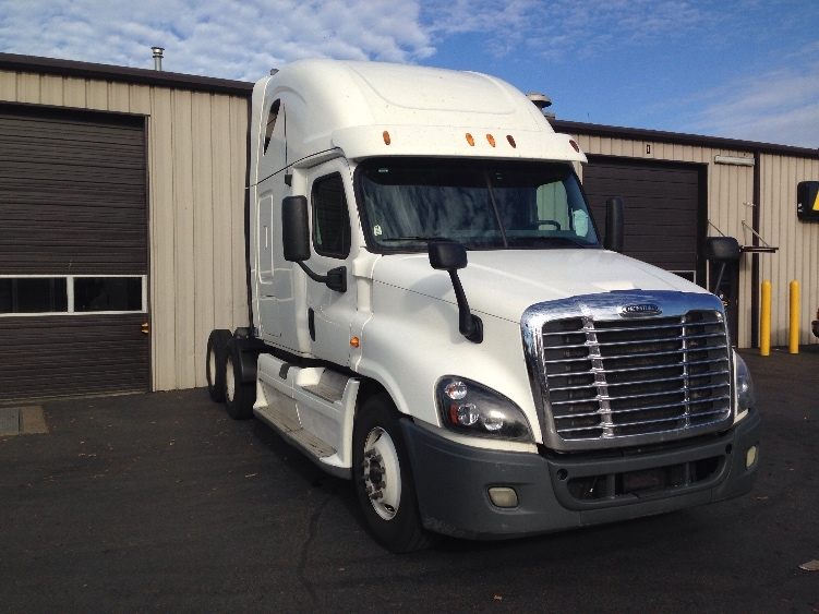 Sleeper Tractor-Heavy Duty Tractors-Freightliner-2012-Cascadia 12564ST-PORTLAND-OR-650,194 miles-$30,500