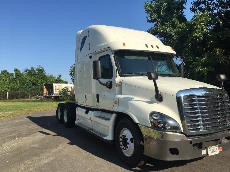 Sleeper Tractor-Heavy Duty Tractors-Freightliner-2012-Cascadia 12564ST-TOLEDO-OH-793,758 miles-$30,000