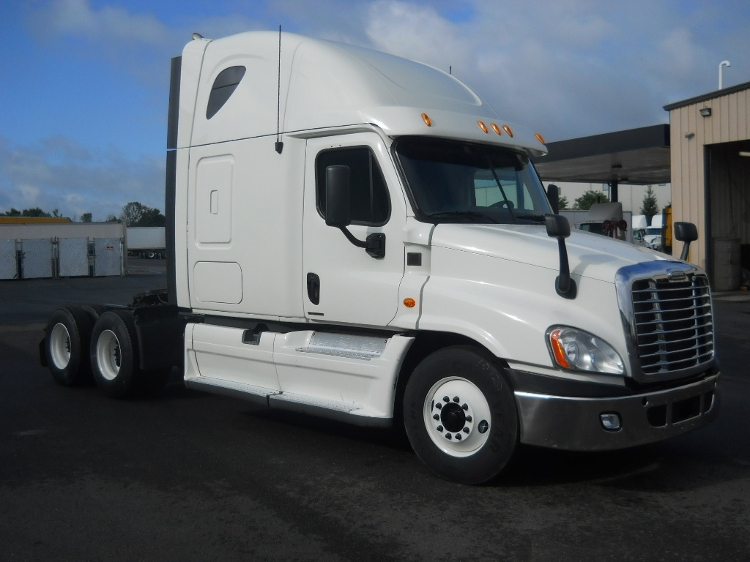 Sleeper Tractor-Heavy Duty Tractors-Freightliner-2012-Cascadia 12564ST-MIDDLEFIELD-OH-381,617 miles-$40,500