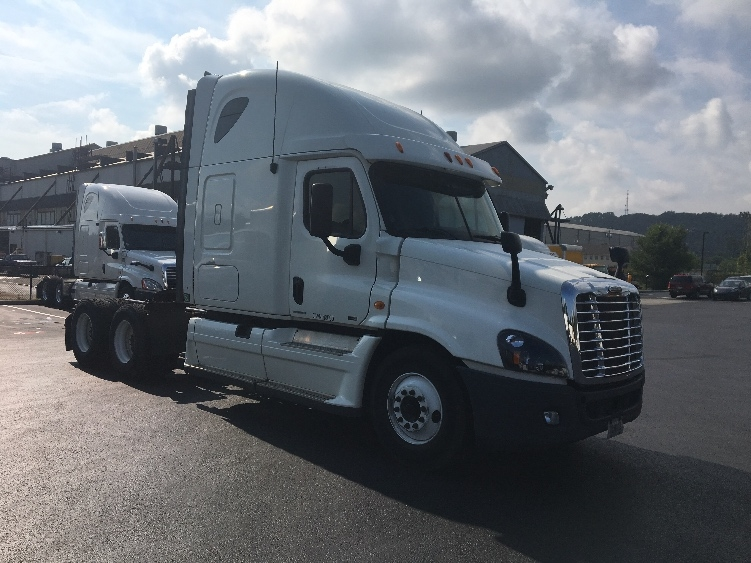 Sleeper Tractor-Heavy Duty Tractors-Freightliner-2012-Cascadia 12564ST-PITTSBURGH-PA-426,196 miles-$45,750