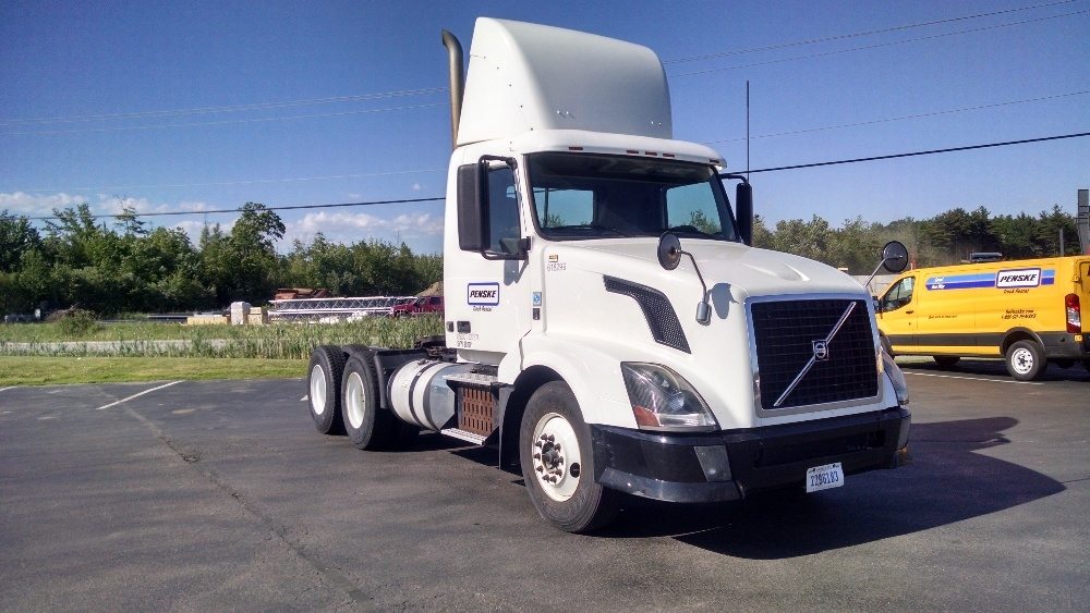 Day Cab Tractor-Heavy Duty Tractors-Volvo-2012-VNL64T300-SCARBOROUGH-ME-429,201 miles-$29,500