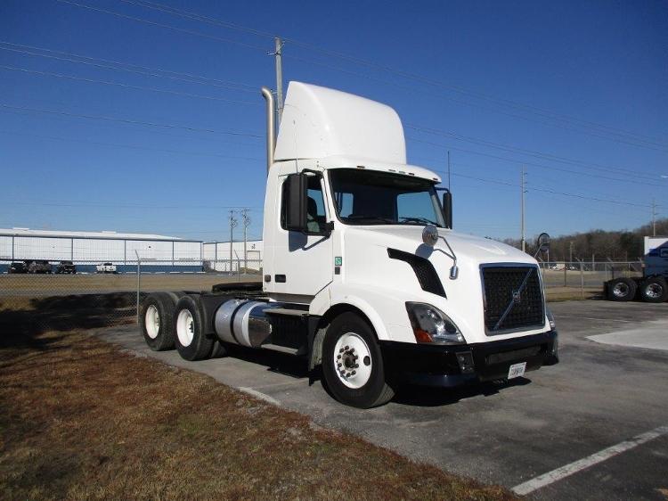 Day Cab Tractor-Heavy Duty Tractors-Volvo-2012-VNL64T300-PELL CITY-AL-490,636 miles-$26,000