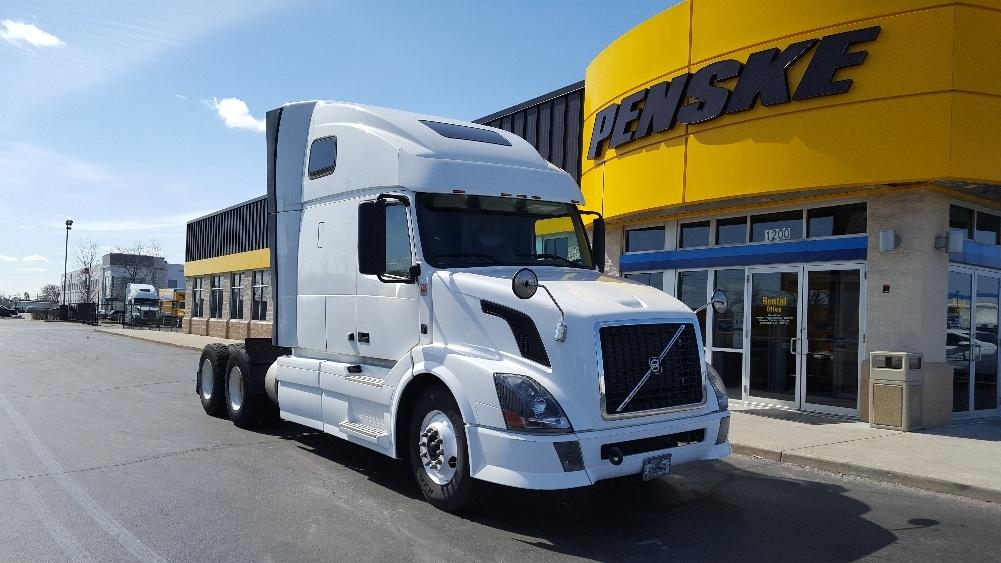Sleeper Tractor-Heavy Duty Tractors-Volvo-2012-VNL64T670-ROCKFORD-IL-497,158 miles-$35,000