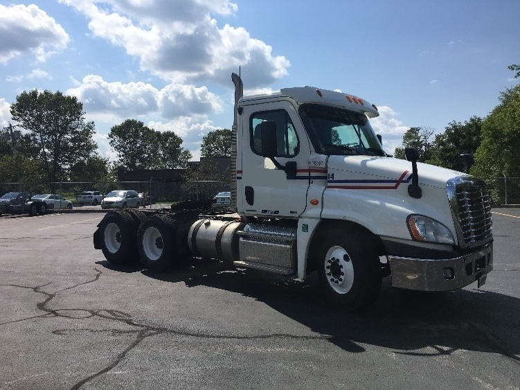 Day Cab Tractor-Heavy Duty Tractors-Freightliner-2012-Cascadia 12564ST-LIVERPOOL-NY-282,617 miles-$42,500