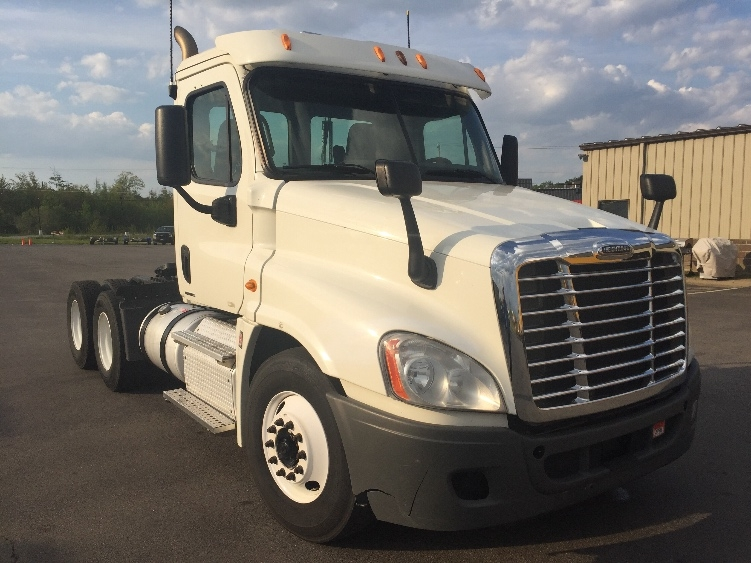 Day Cab Tractor-Heavy Duty Tractors-Freightliner-2012-Cascadia 12564ST-SCARBOROUGH-ME-364,920 miles-$39,750