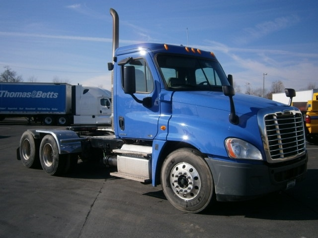 Day Cab Tractor-Heavy Duty Tractors-Freightliner-2012-Cascadia 12564ST-COLUMBIA-TN-504,036 miles-$35,000