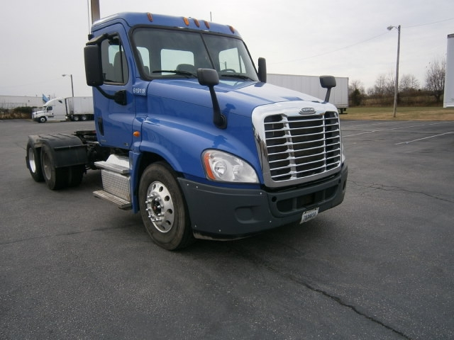 Day Cab Tractor-Heavy Duty Tractors-Freightliner-2012-Cascadia 12564ST-COLUMBIA-TN-477,583 miles-$34,000