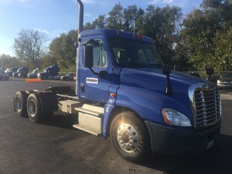 Day Cab Tractor-Heavy Duty Tractors-Freightliner-2012-Cascadia 12564ST-INDIANAPOLIS-IN-273,924 miles-$40,000