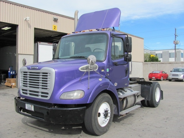 Day Cab Tractor-Heavy Duty Tractors-Freightliner-2012-M211242S-OMAHA-NE-117,150 miles-$33,750