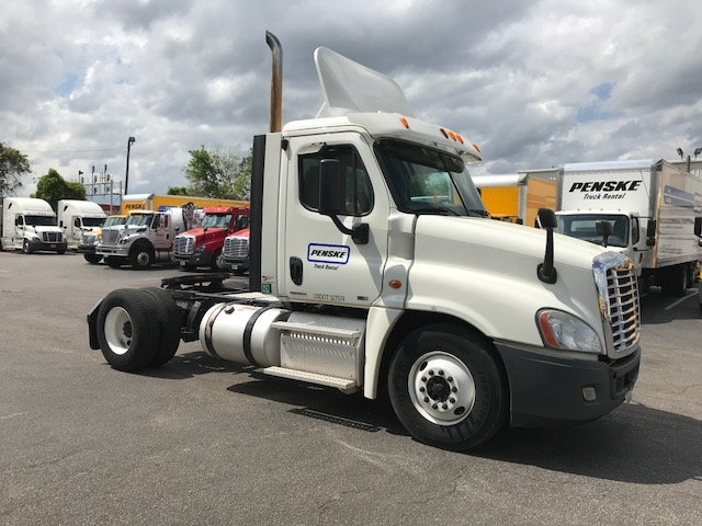 Day Cab Tractor-Heavy Duty Tractors-Freightliner-2012-Cascadia 12542ST-BIRMINGHAM-AL-619,223 miles-$28,000
