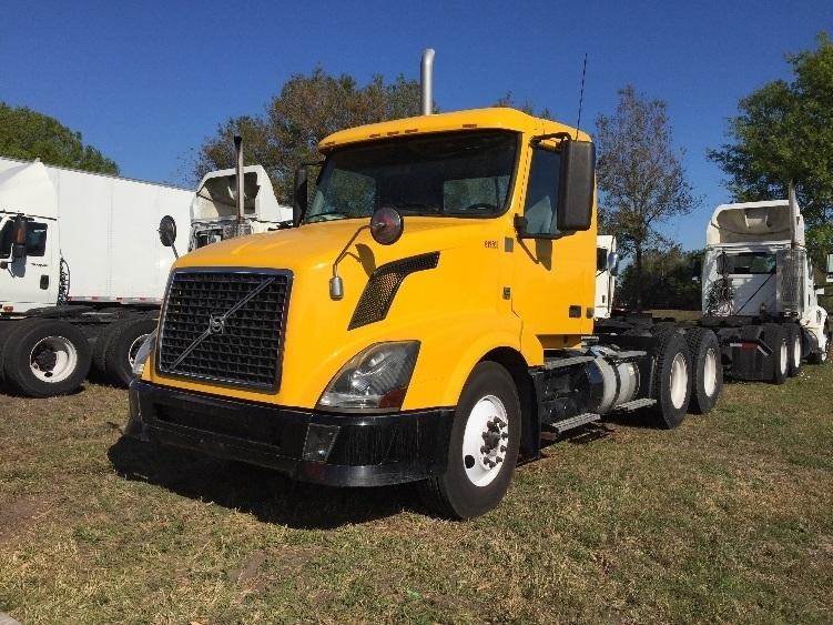 Day Cab Tractor-Heavy Duty Tractors-Volvo-2012-VNL64T300-ORLANDO-FL-159,701 miles-$44,000
