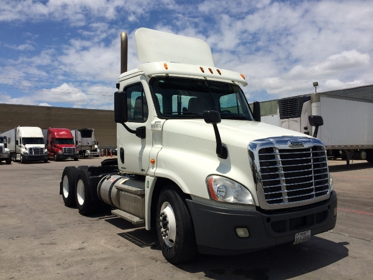 Day Cab Tractor-Heavy Duty Tractors-Freightliner-2012-Cascadia 12564ST-GARLAND-TX-266,583 miles-$46,250