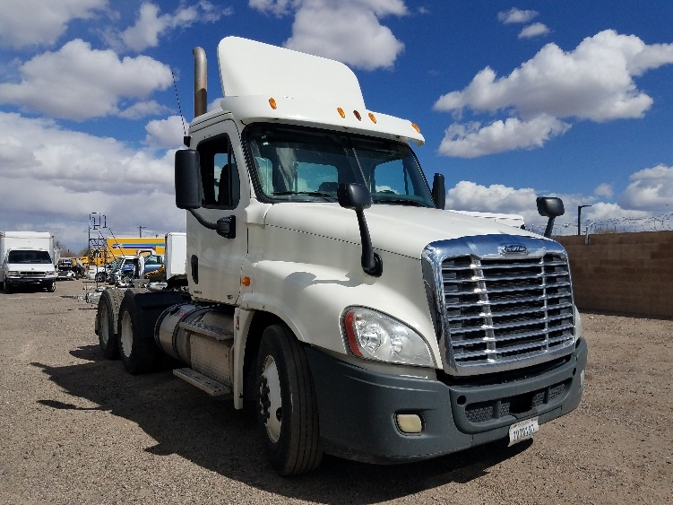 Day Cab Tractor-Heavy Duty Tractors-Freightliner-2012-Cascadia 12564ST-ALBUQUERQUE-NM-509,631 miles-$34,500