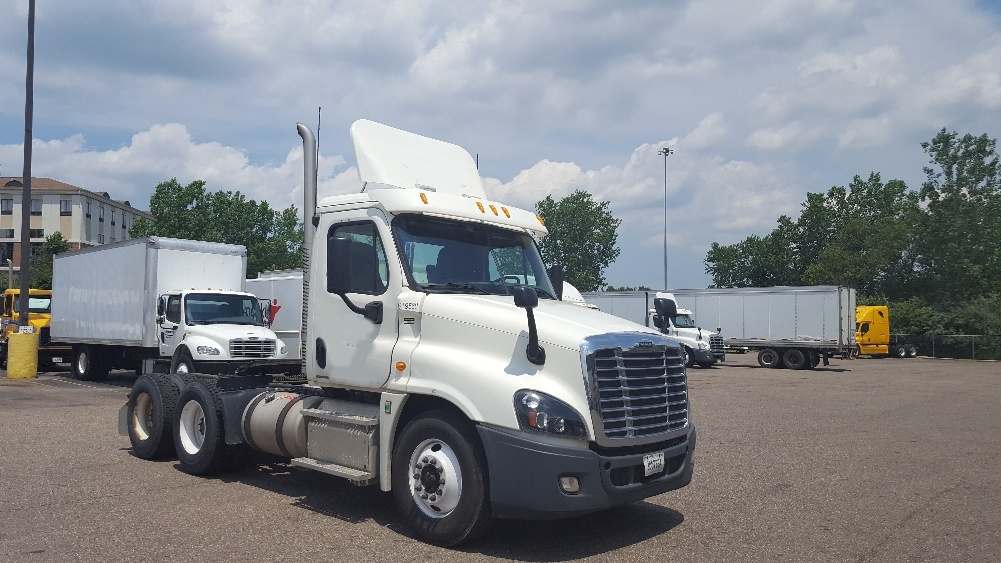 Day Cab Tractor-Heavy Duty Tractors-Freightliner-2012-Cascadia 12564ST-AKRON-OH-195,579 miles-$46,500