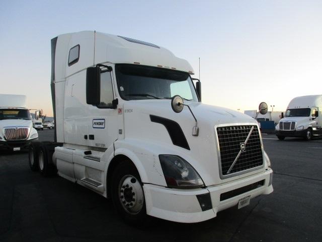 Sleeper Tractor-Heavy Duty Tractors-Volvo-2012-VNL64T670-TORRANCE-CA-443,131 miles-$36,250