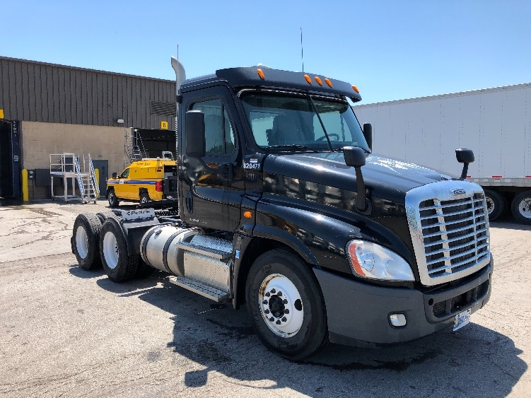Day Cab Tractor-Heavy Duty Tractors-Freightliner-2012-Cascadia 12564ST-KANSAS CITY-MO-262,205 miles-$39,750