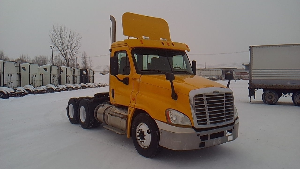 Day Cab Tractor-Heavy Duty Tractors-Freightliner-2012-Cascadia 12564ST-MONTREAL-PQ-441,688 km-$46,000