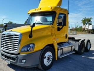 Day Cab Tractor-Heavy Duty Tractors-Freightliner-2012-Cascadia 12564ST-SAINT LAURENT-PQ-521,743 km-$43,750