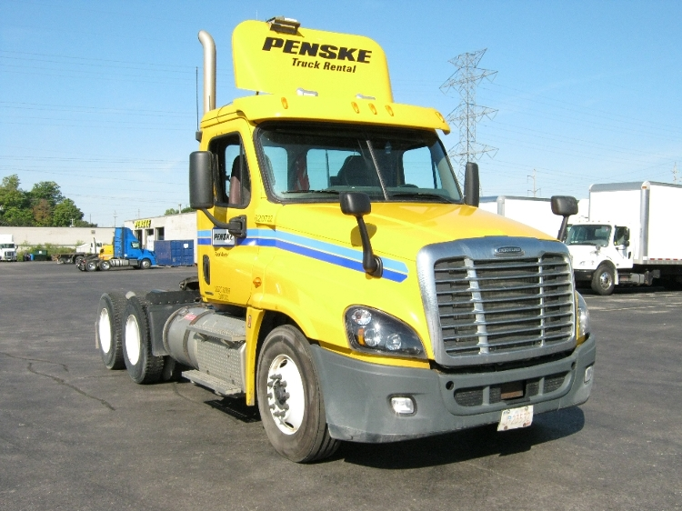 Day Cab Tractor-Heavy Duty Tractors-Freightliner-2012-Cascadia 12564ST-MISSISSAUGA-ON-907,009 km-$35,500