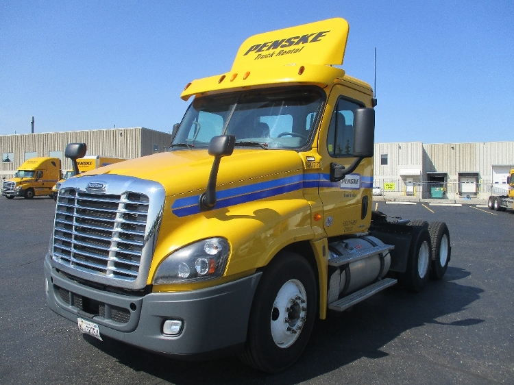 Day Cab Tractor-Heavy Duty Tractors-Freightliner-2012-Cascadia 12564ST-MISSISSAUGA-ON-450,197 km-$50,750