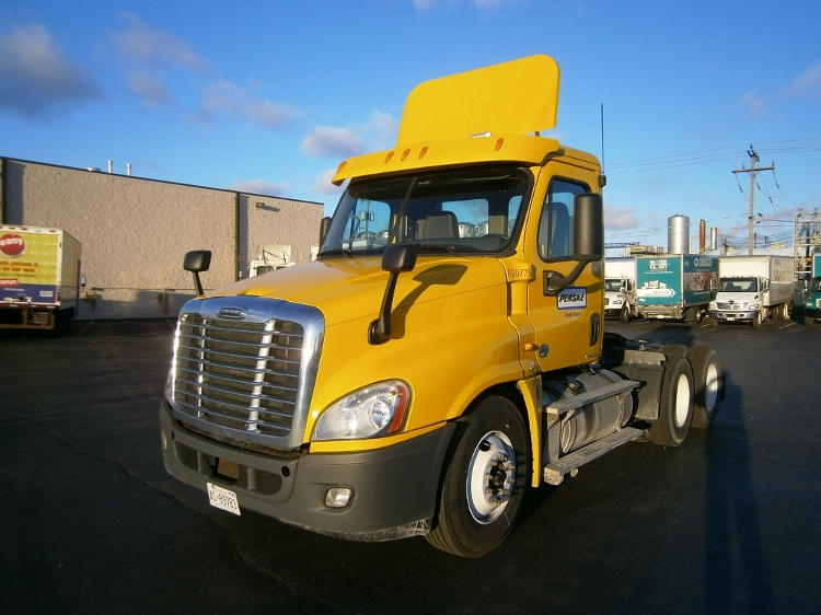 Day Cab Tractor-Heavy Duty Tractors-Freightliner-2012-Cascadia 12564ST-MISSISSAUGA-ON-383,230 km-$52,750