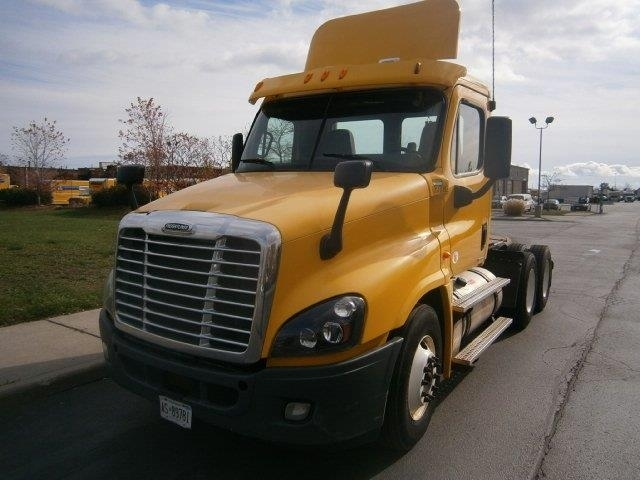 Day Cab Tractor-Heavy Duty Tractors-Freightliner-2012-Cascadia 12564ST-CONCORD-ON-422,985 km-$46,250