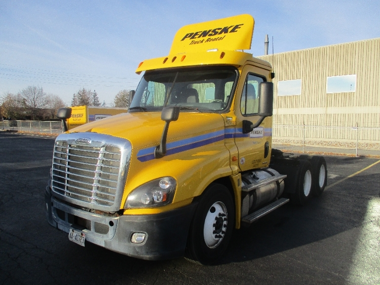 Day Cab Tractor-Heavy Duty Tractors-Freightliner-2012-Cascadia 12564ST-MISSISSAUGA-ON-445,896 km-$50,750