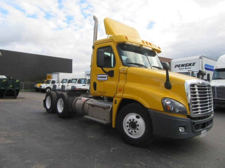 Day Cab Tractor-Heavy Duty Tractors-Freightliner-2012-Cascadia 12564ST-MISSISSAUGA-ON-447,913 km-$50,750