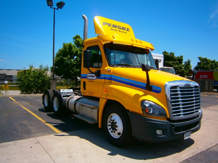 Day Cab Tractor-Heavy Duty Tractors-Freightliner-2012-Cascadia 12564ST-MISSISSAUGA-ON-330,895 km-$55,500