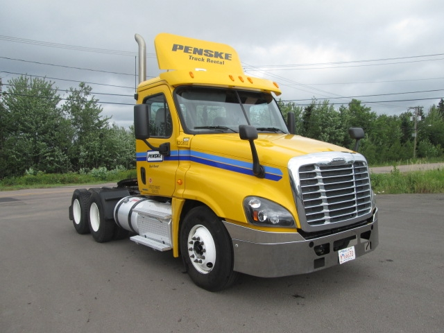 Day Cab Tractor-Heavy Duty Tractors-Freightliner-2012-Cascadia 12564ST-MONCTON-NB-428,825 km-$47,250